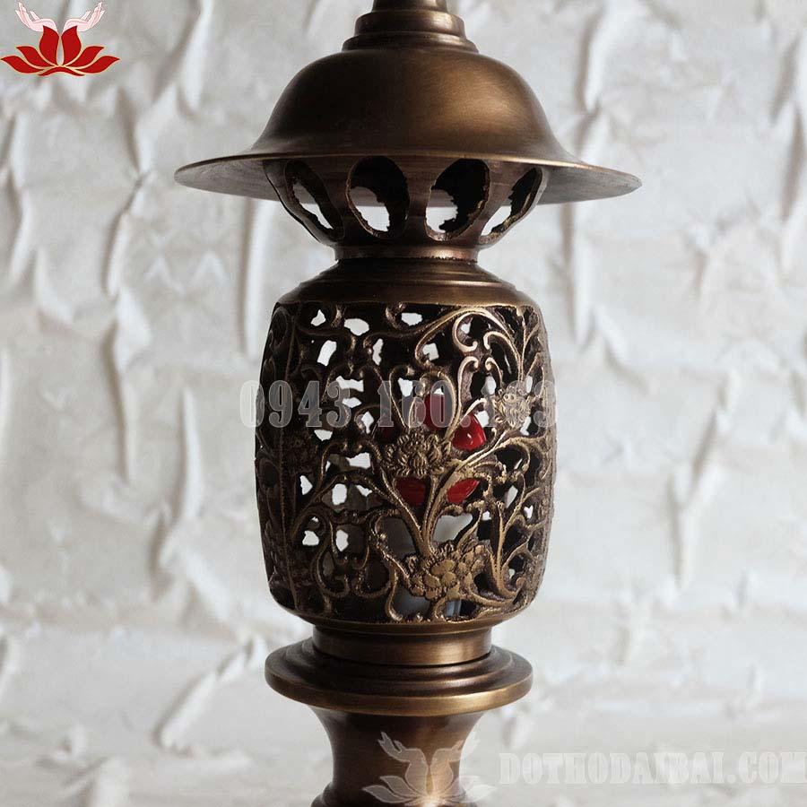 Đèn thờ hình quả dứa bằng đồng Đài Loan ( giả cổ ) cao 42 Cm