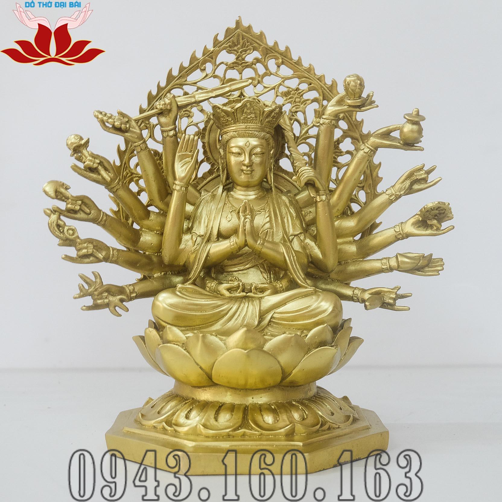 Chi tiết hình ảnh tượng Phật Chuẩn Đề nhìn thẳng