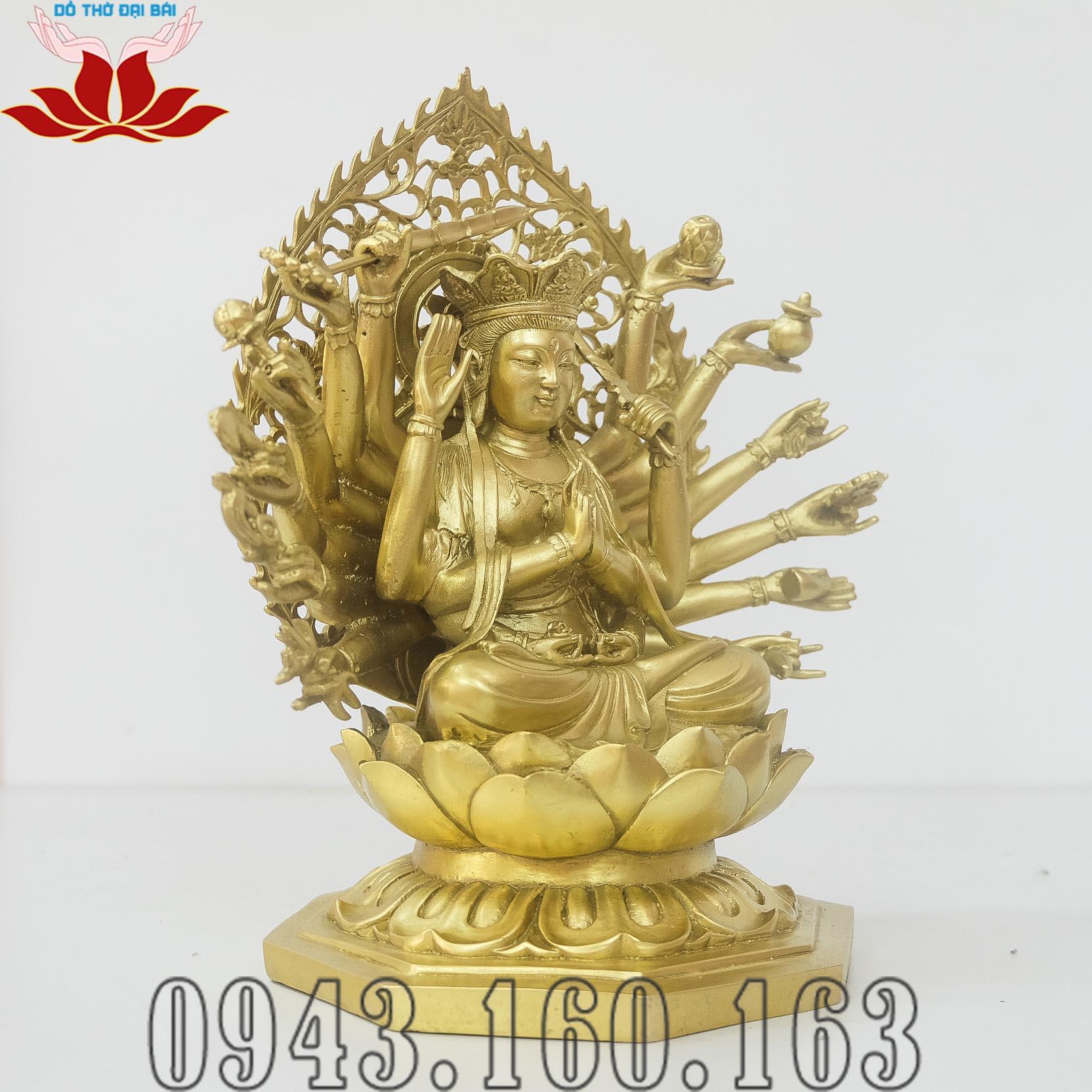 Chi tiết hình ảnh tượng Phật Chuẩn Đề nhìn nghiêng