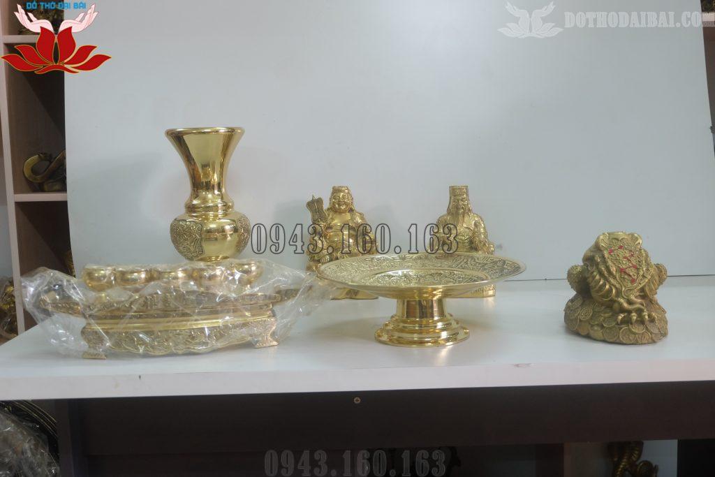 Hình ảnh bộ đồ thờ Thần Tài - Ông Địa vàng đồng